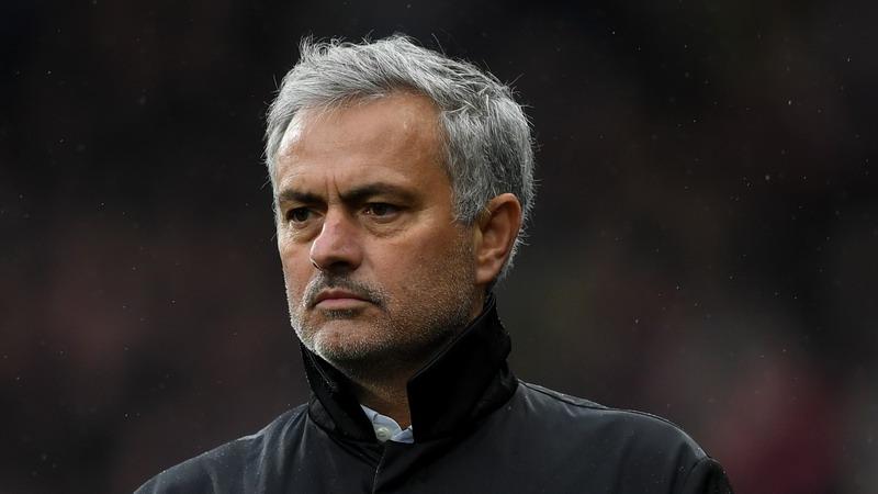 Main di Old Trafford, Ledley King: Man United Takkan Terapkan Parkir Bus Melawan Tottenham